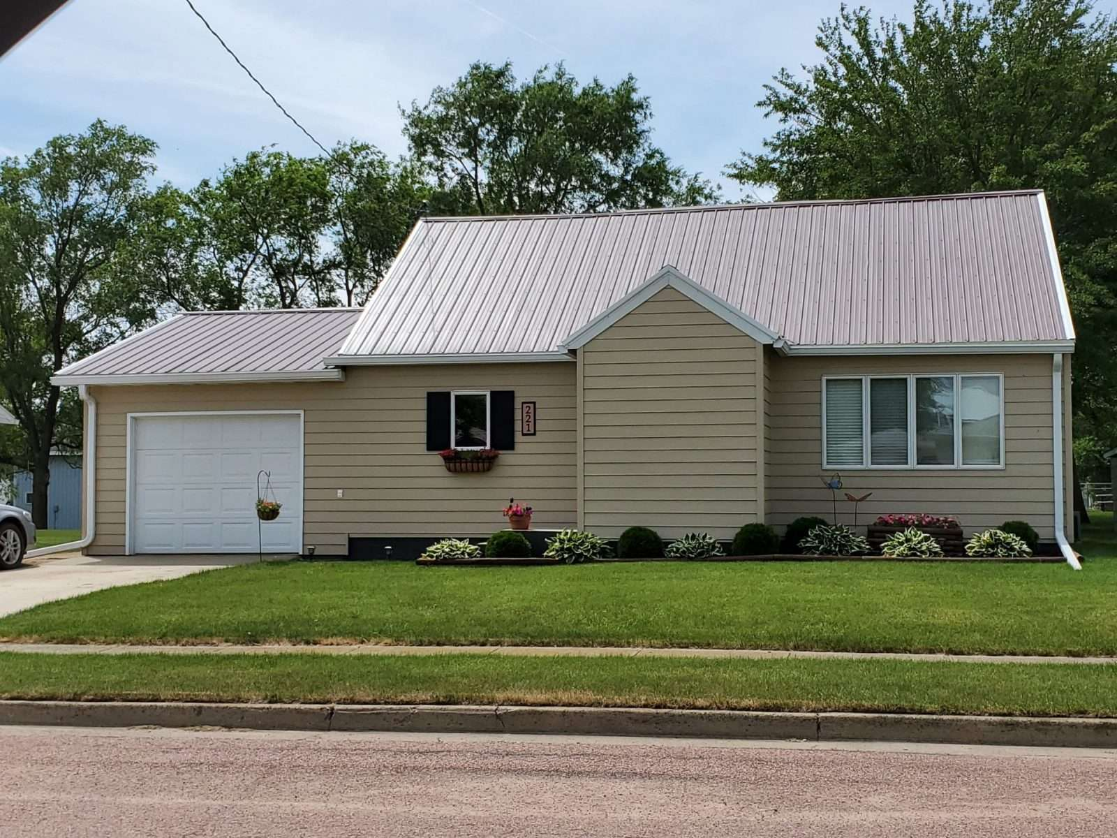 221 N. Idaho St. - Salem SD  57058