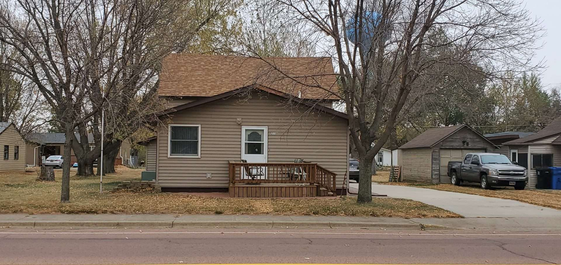 210 S. Nebraska St - Salem, SD  57058